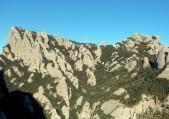 Neu a la part alta de la muntanya